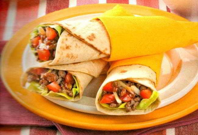 Tortillas arrotolate con carne_650x444