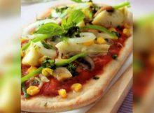 Pizza con mais e verdure miste