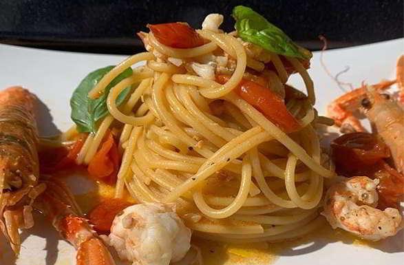 Spaghetti scampi e pecorino