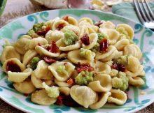 Orecchiette con broccoletti e pomodori